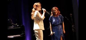 STAGE TUBE: Lydia Fairén y Ramsés Vollbrecht cantan con Rachel Tucker