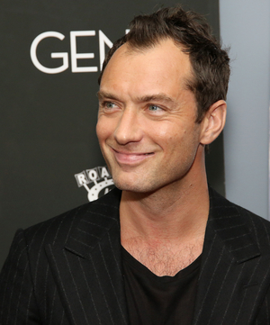 Jude Law Will Lead THE AUTEUR Miniseries From Taika Waititi