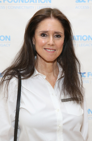 Julie Taymor Talks New Film THE GLORIAS and More on AT HOME WITH THE CREATIVE COALITION