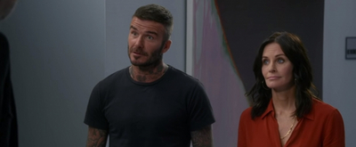 VIDEO: Watch David Beckham & Courtney Cox Guest Star on MODERN FAMILY!