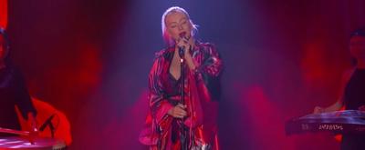 VIDEO: Christina Aguilera Performs 'Loyal Brave True' on JIMMY KIMMEL LIVE!