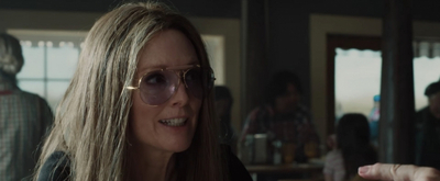 VIDEO: Watch a New Trailer for THE GLORIAS, Starring Julianne Moore & Directed by Jul Video
