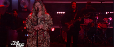 VIDEO: Kelly Clarkson Performs 'Give Me One Reason'