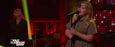 VIDEO: Kelly Clarkson Covers 'Bulletproof'