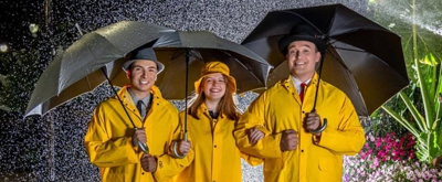 BWW Review: SINGING IN THE RAIN at Red Curtain Theatre Has The Audience Singing Along