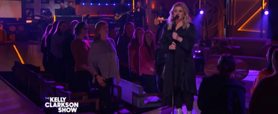 VIDEO: Watch Kelly Clarkson Perform 'Strawberry Wine' on THE KELLY CLARKSON SHOW