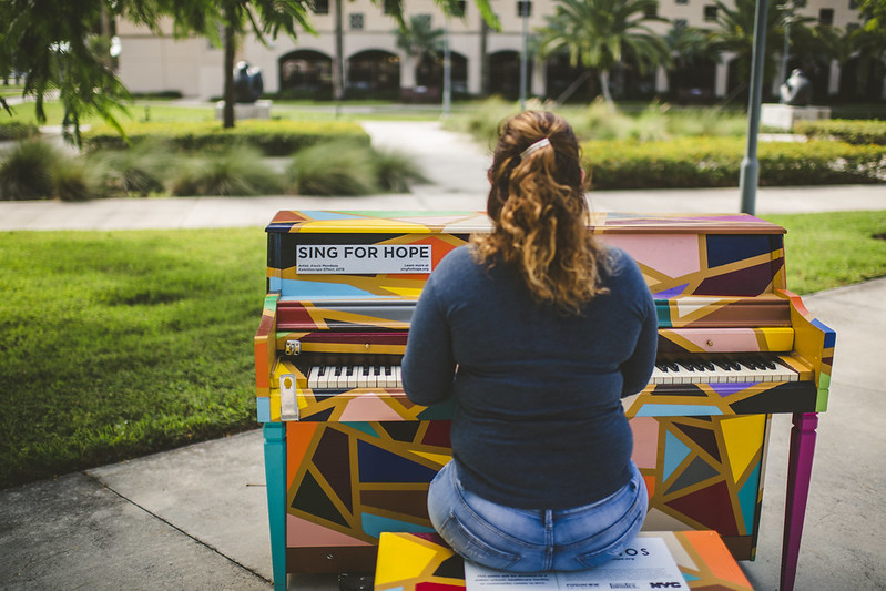Sing for Hope Piano uplifts, engages FIU early voters