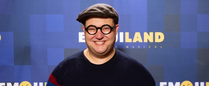 BWW Exclusive: EMOJILAND's Josh Lamon Brings You Inside BroadwayCon 2020!