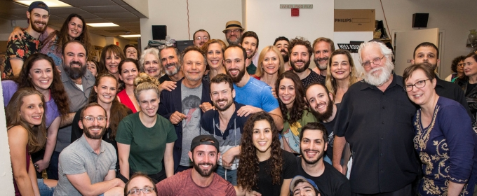 Photo Flash: Yiddish FIDDLER ON THE ROOF Cast Poses in Front
