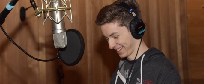 BWW Exclusive: DEAR EVAN HANSEN's Andrew Barth Feldman Gets Together with Carols For A Cure