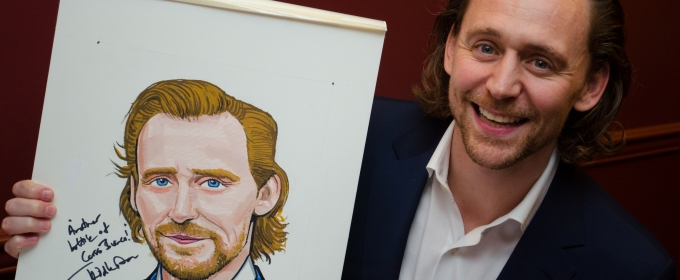 Photo Coverage: Tom Hiddleston Receives Portrait at Sardi's