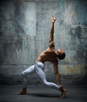 Mikhailovsky Ballet's Adrian Blake Mitchell Hosts 'Dance Talks' & Master Class For Westside Ballet