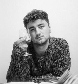 Tom Auton Returns With New Single '9 Til 9'