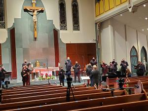 St. Charles Singers To Present CANDLELIGHT CAROLS Free Online