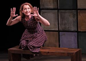 Obie Winner Renata Hinrichs Returns to the Stage With Live RANDOM ACTS
