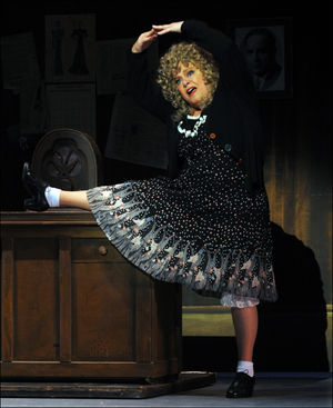 Riverside Center Welcomes Sally Struthers As Miss Hannigan In ANNIE