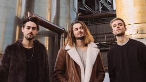 Outstanding Indie-Rock Trio Eau Rouge Shares 'I Know That You Know' Single