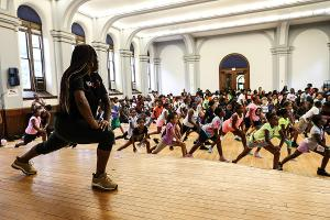 Kravis Classroom Connection Hosts FIVE DAYS WITH STEP AFRIKA Presentation