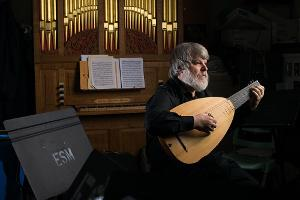 GRAMMY-Winning Lutenist Paul O'Dette Shares a Streaming Concert From His Home