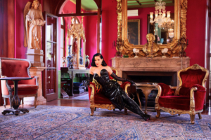 Queen Of Burlesque Dita Von Teese Offers Talks And Classes At WEEKEND OF GLAMOUR
