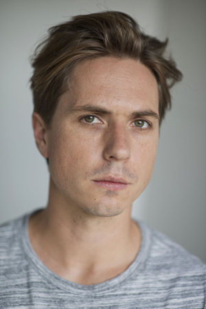 INBETWEENERS' Joe Thomas Comes to Theatre Royal in WHAT'S IN A NAME?