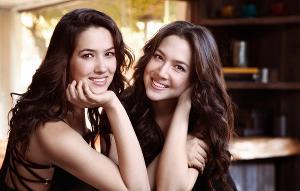 PSO's All Mozart Season-Opener Features Naughton Twins