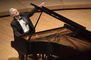 Freer Gallery Presents Pianist Ganz & Actor Tolaydo Merging Whistler & Debussy