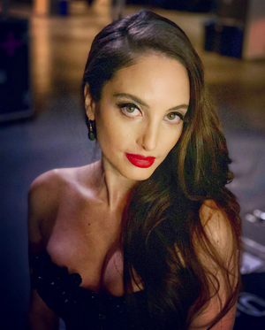 Alexa Ray Joel Extends Sold Out Café Carlyle Residency