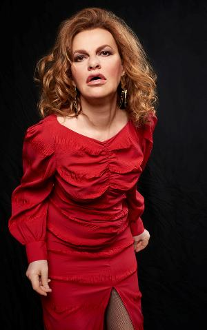 Sandra Bernhard Brings New Show QUICK SAND To The Faena Theater This Month