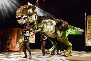 Direct From The West End Of London 'Dinosaur World Live' Comes To Thousand Oaks