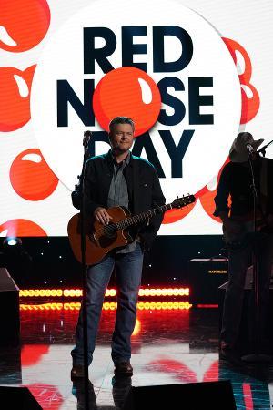 Blake Shelton, Gwen Stefani, Milo Ventimiglia, Bryan Cranston and More Join NBC RED NOSE DAY SPECIAL