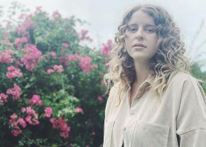 Hannah Grace Shares Video For New Single 'Feels Like Home'