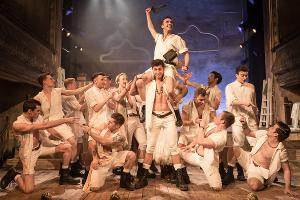 Sasha Regan Brings The All-Male THE PIRATES OF PENZANCE To The Palace Theatre