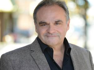 Artist Series Concerts Presents Baritone Todd Thomas Outdoors At Selby Gardens