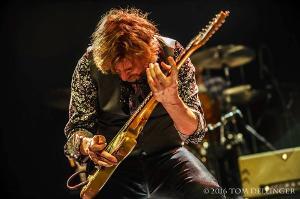 Guitarist/Film Composer Lyle Workman Set To Release 'Uncommon Measures'