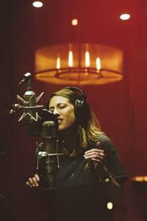 Lisa St Lou Releases 'I've Seen The Light'