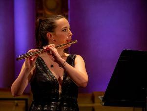 Vancouver Symphony Premieres Vivian Fung's Flute Concerto STORM WITHIN