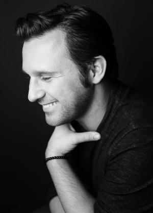 Nicolas King to Open Theatre By The Sea Summer Concert Series