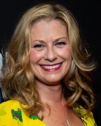 Angela Pierce Headshot