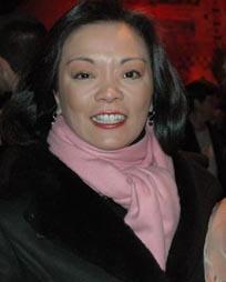 Cynthia Onrubia Headshot