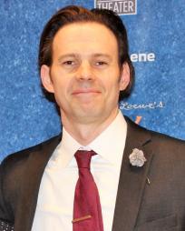 Michael Evan Halling Headshot