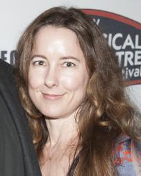 Nicole Kastrinos Headshot