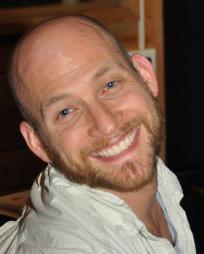 Justin Greer Headshot