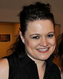 Elizabeth Morgan Headshot