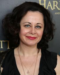 Geraldine Hughes Headshot