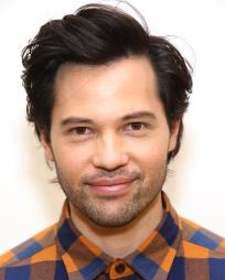 Jason Tam Headshot