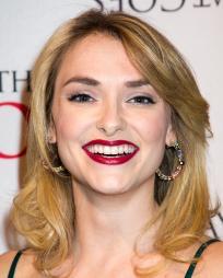 Maggie Weston Headshot