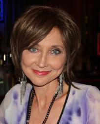 Pam Tillis Headshot