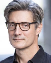 Gareth Saxe Headshot