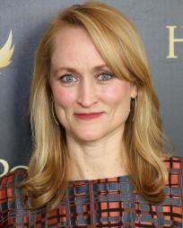 Angela Reed Headshot